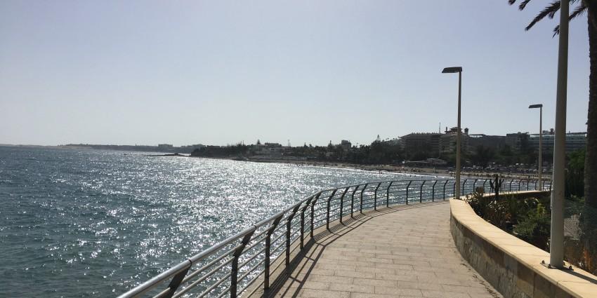 Strandpromenad i San Augustin